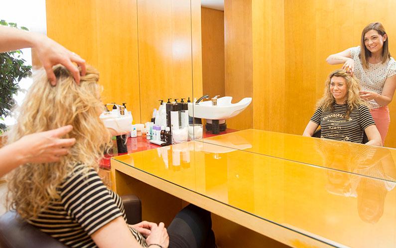 Descubre las diferentes opciones para recuperar la densidad del cabello