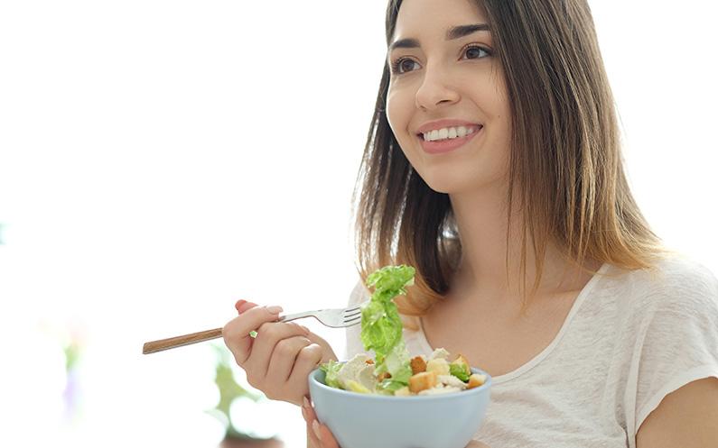 ¿Qué nutrientes y alimentos fortalecen el cabello?